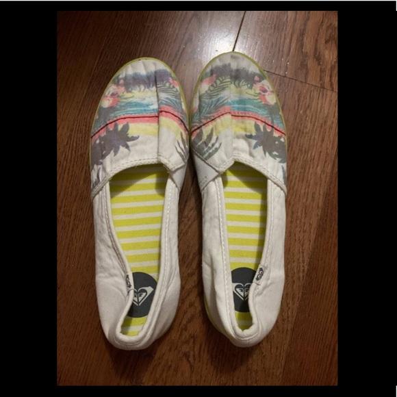 Women's Roxy Shoes Size 7.5
